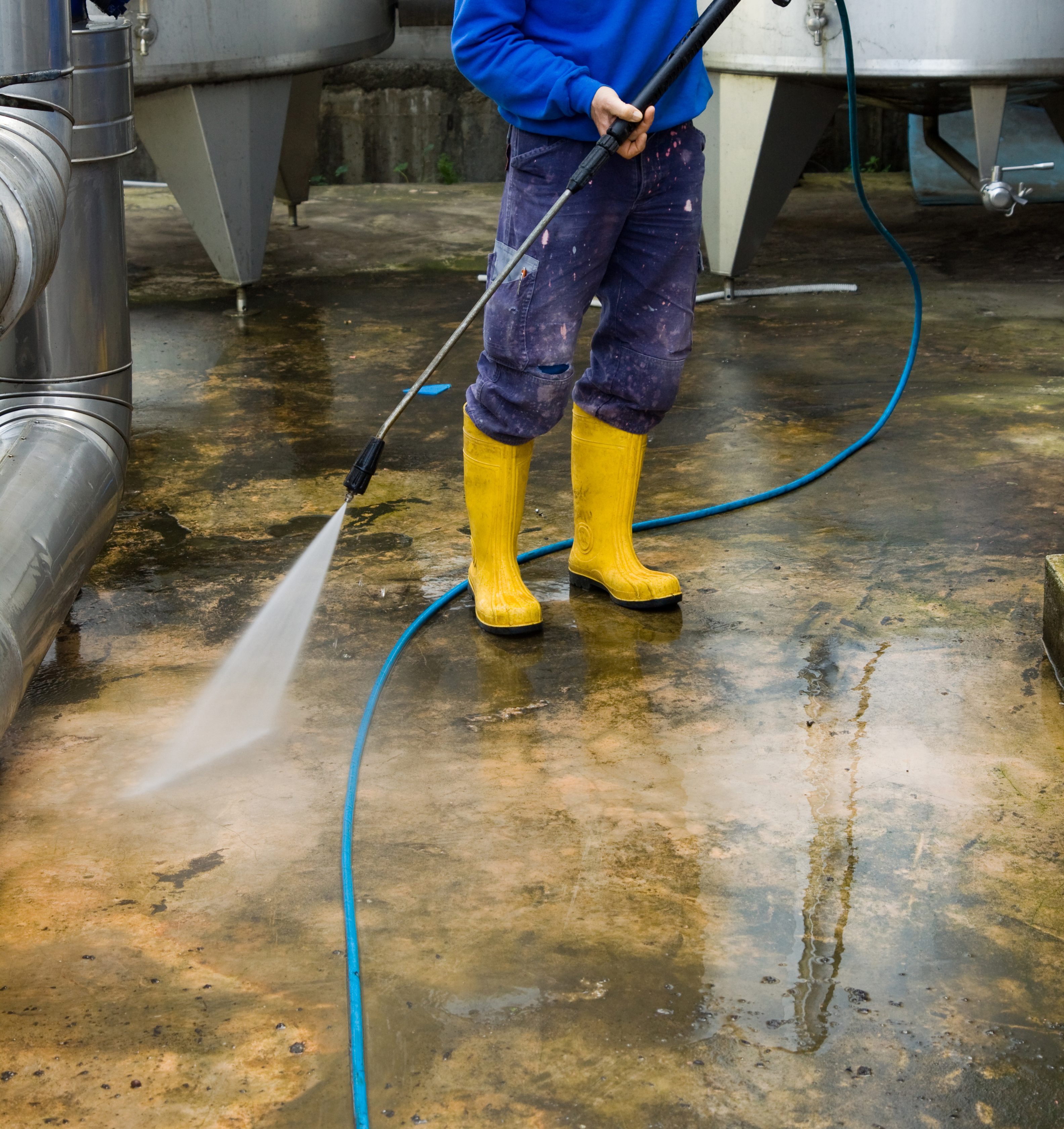Dry ice blasting vs pressure washing
