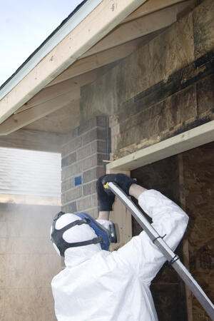 Dry ice blasting vs soda blasting
